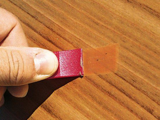 Реставрация ламината с помощью акриловой шпатлевки