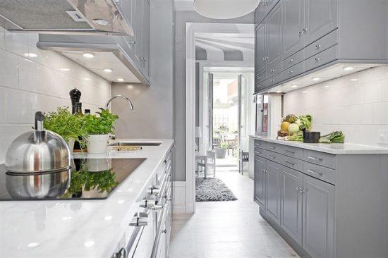 Серый цвет очень оригинально смотрится в интерьере кухни