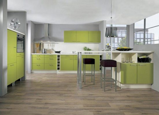 Свежий фисташковый оттенок и интерьере кухни