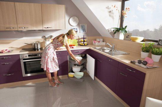 Продумайте полочки для кухонного гарнитура: выдвижные поворотные или карусель
