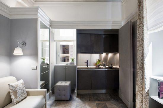 При переносе кухни вам скорее всего придется отказаться от газовой плиты в пользу электрической