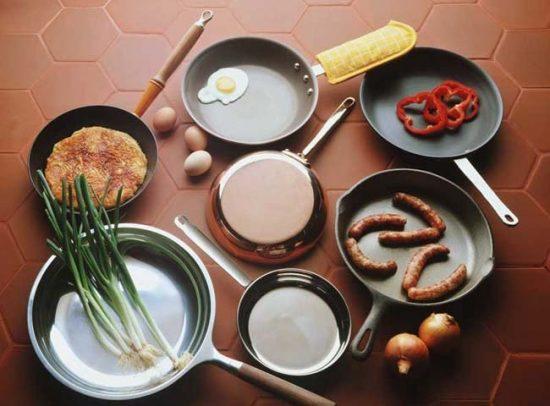 Выбирайте сковороду с толстыми стенками и дном