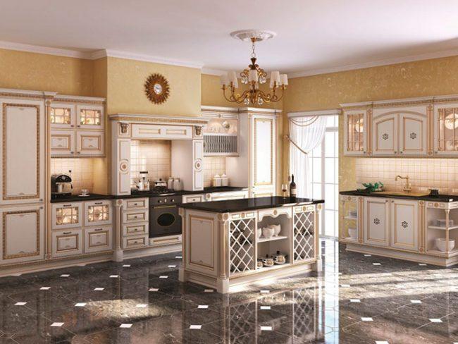 Стены на кухне в английском стиле можно оклеить обоями