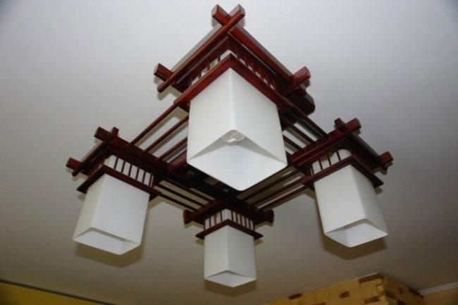Светильник в китайском стиле