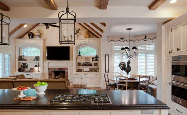 """Интерьер кухни """"под старину"""" предполагает множество стилей"""