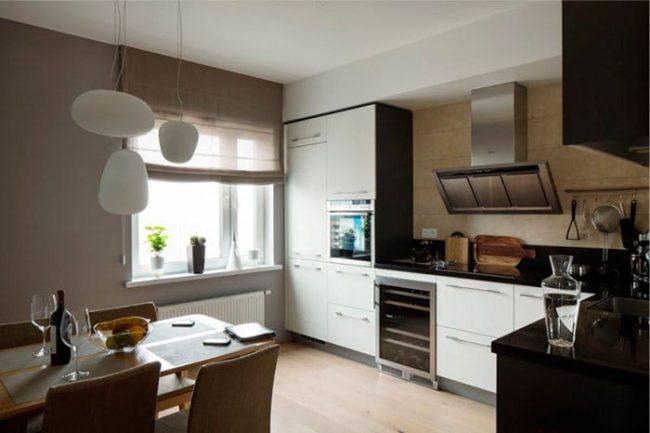 На кухне, оформленной в стиле минимализм, преобладают холодные цвета