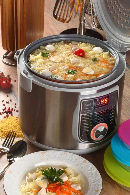 В мультиварке можно готовить первые, вторые блюда, а так же выпечку