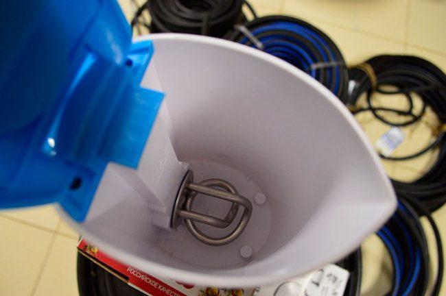 В чайниках со спиралью быстро скапливается накипь
