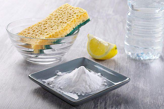 Сода, уксус и лимон хорошо отмывают застарелый жир