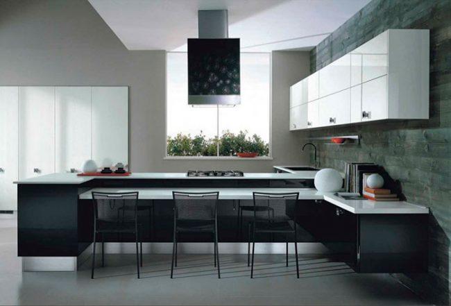 Кухни в стиле хай-тек - это чаще всего сочетание металла, пластика и секла