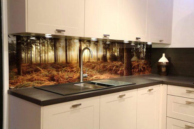 Большое разнообразие рисунков позволяет оформить кухню в любом стиле