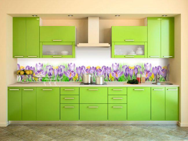 Кухонные фартуки из МДФ легко монтируются и достаточно просты в уходе