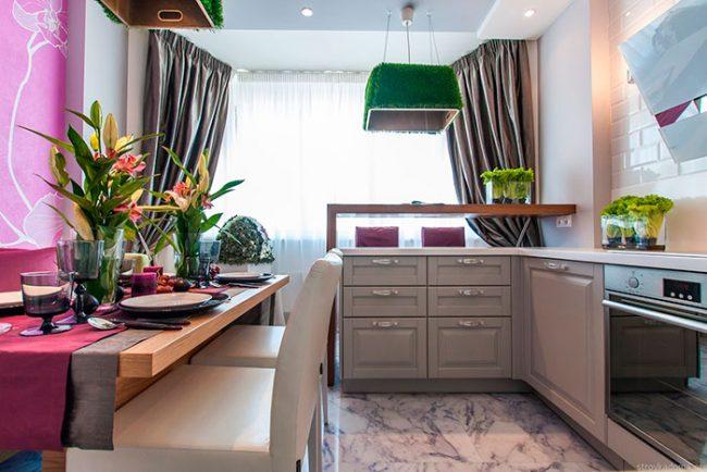 Шторы на кухне должны соответствовать общей стилистике интерьера