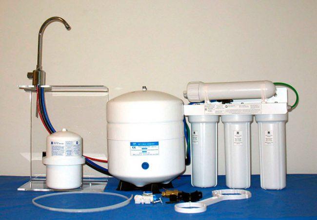 Прежде чем приобретать фильтр. необходимо провести анализ воды