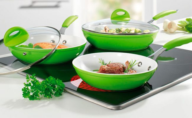 В доме достаточно иметь 2-3 сковородки различного диаметра и глубины