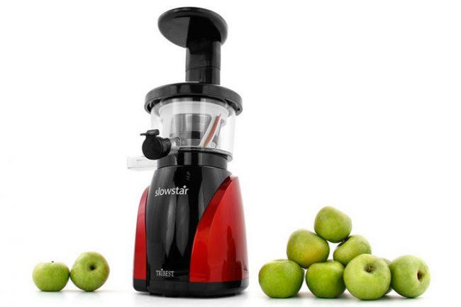 Для переработки большого количества яблок необходимо выбирать соковыжималку большой мощности