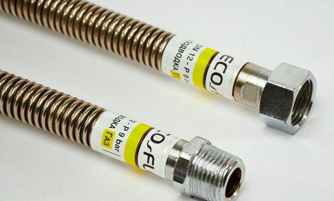 Для подключения шкафа используется медная трубка или сильфонный шланг