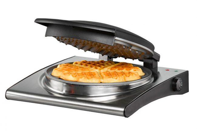 Современные вафельницы позволяют выпекать вафли различной толщины