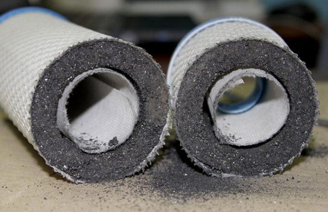 Угольный фильтр хорошо очищает воду от посторонних запахов