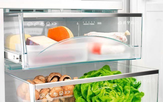 Большие холодильники имеют несколько зон для хранения различных продуктов