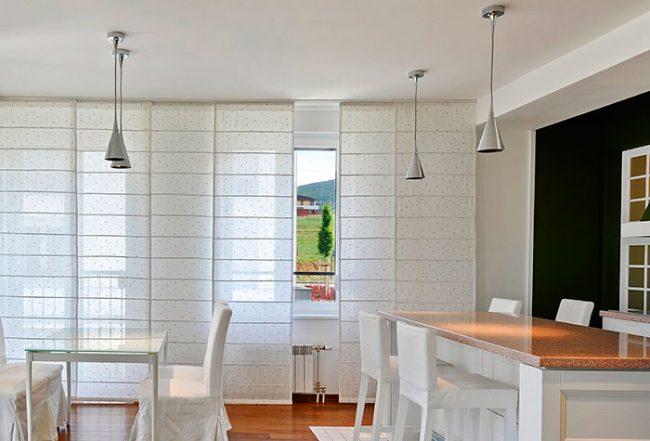 Японские шторы отлично подходят к строгим интерьерам, в стиле минимализм